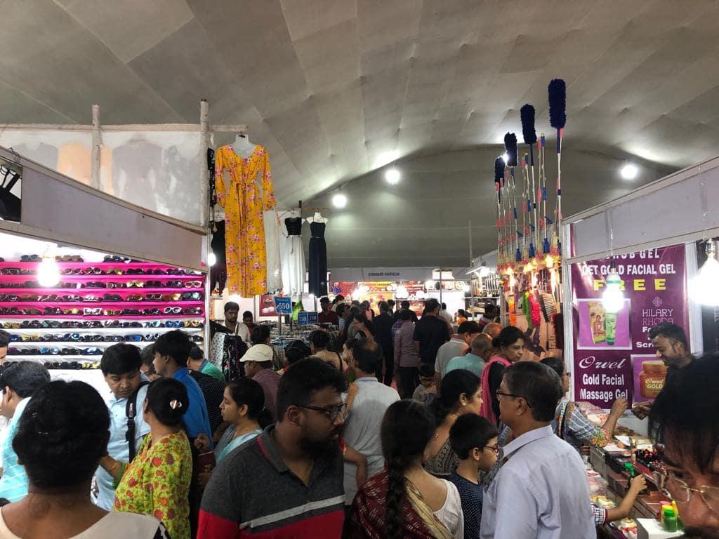 Visitors enjoying shopping at IIMTF Ahmedabad