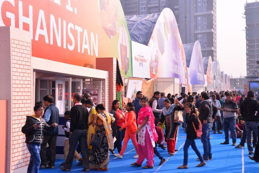 Visitors having a fun time shopping at IIMTF Kolkata 2018
